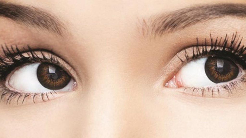 Jangan terlalu sering menggunakan lensa mata atau softlens